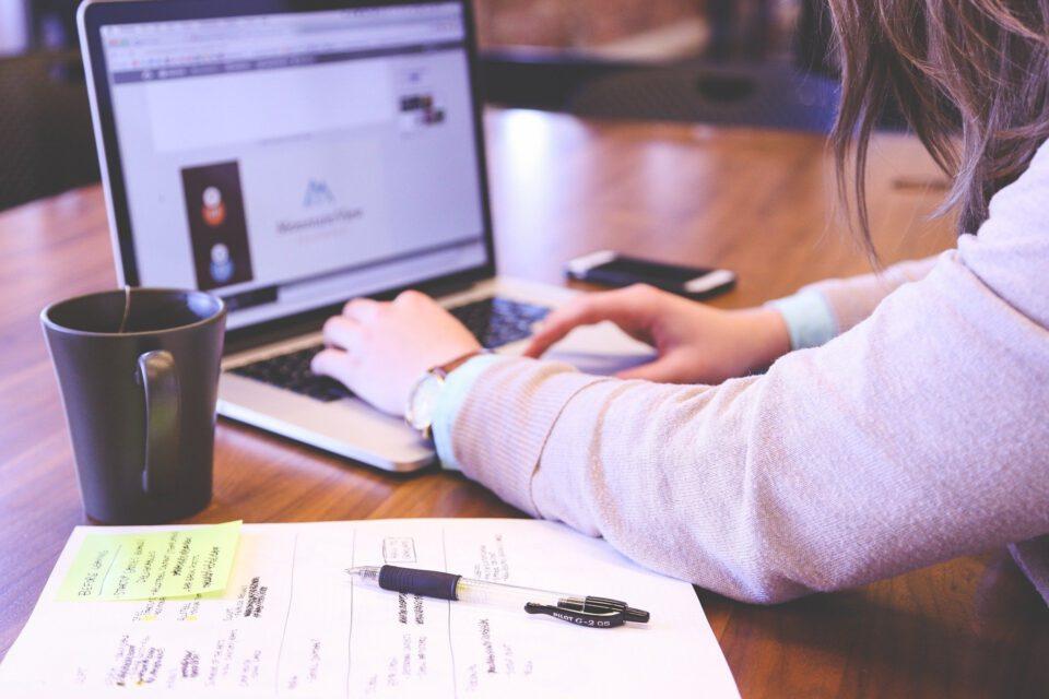 unterbrochener Workflow:Wenn der Workflow ständig durch Störungen unterbrochen wird, ist das sehr ineffizient für die Arbeit.